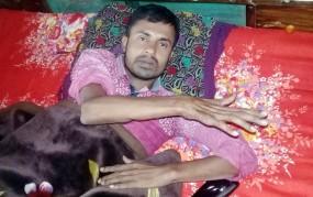 কেন্দুয়ায় বিএনপির হামলায় পঙ্গু সাজু খোঁজ নেয় না কেউ, সাক্ষাৎ চান প্রধানমন্ত্রীর